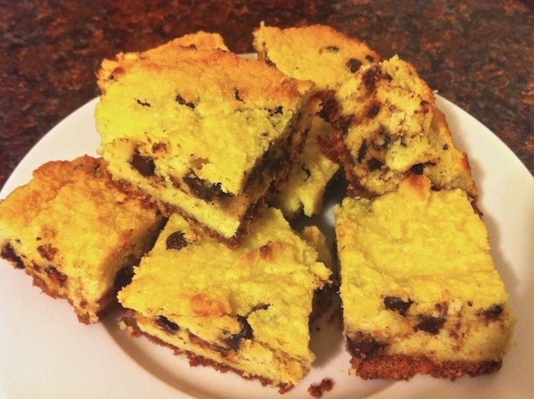 Low-carb coconut chocolate chip cake - Living Healthy With Chocolate
