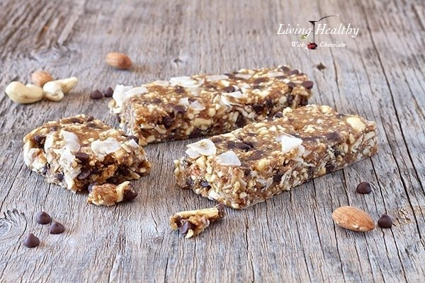 Chocolate Chip Cookie Dough Granola Bars | Kid-Friendly Make-Ahead Paleo Breakfast Recipes