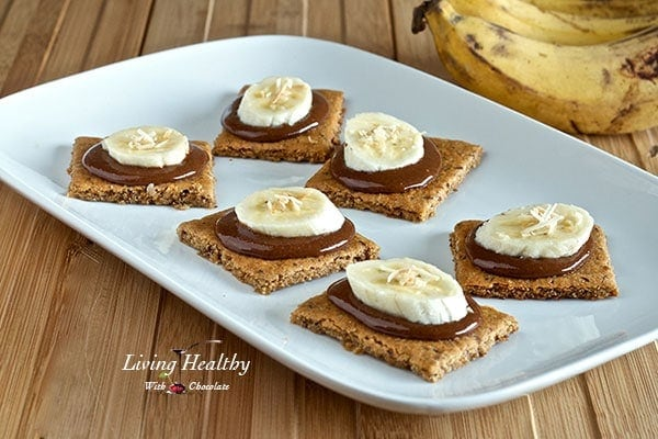 Paleo-Graham-Crackers-Topped-With-Nutella-Bananas2