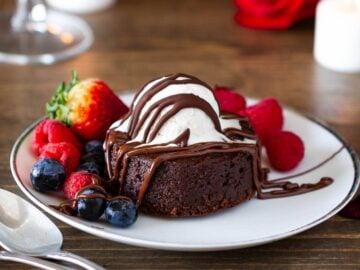 Molten Lava Brownies (Paleo, Gluten-free, Dairy-free)