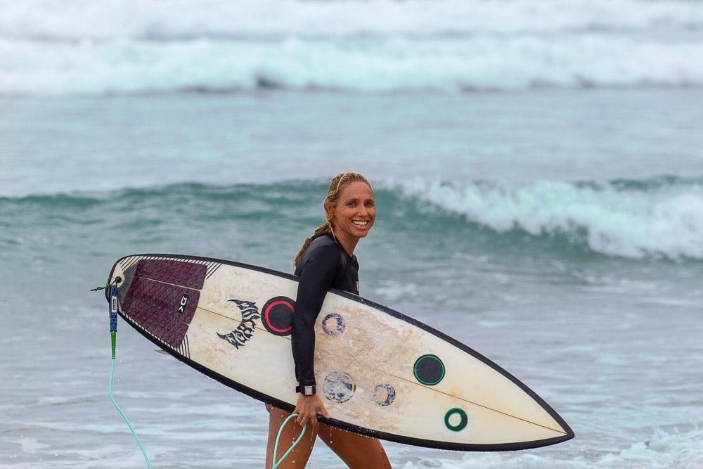 Adriana Harlan Surfing Salina Cruz, Mexico